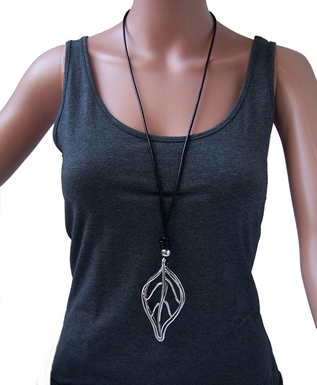 Kette lange Halskette Lederlook schwarz Blatt Anhänger silber K1201